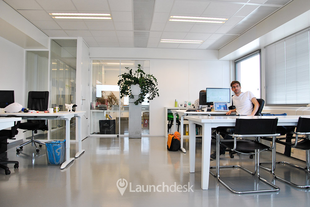 Office space amstelstation amsterdam oost launchdesk - Shared office space for rent ...
