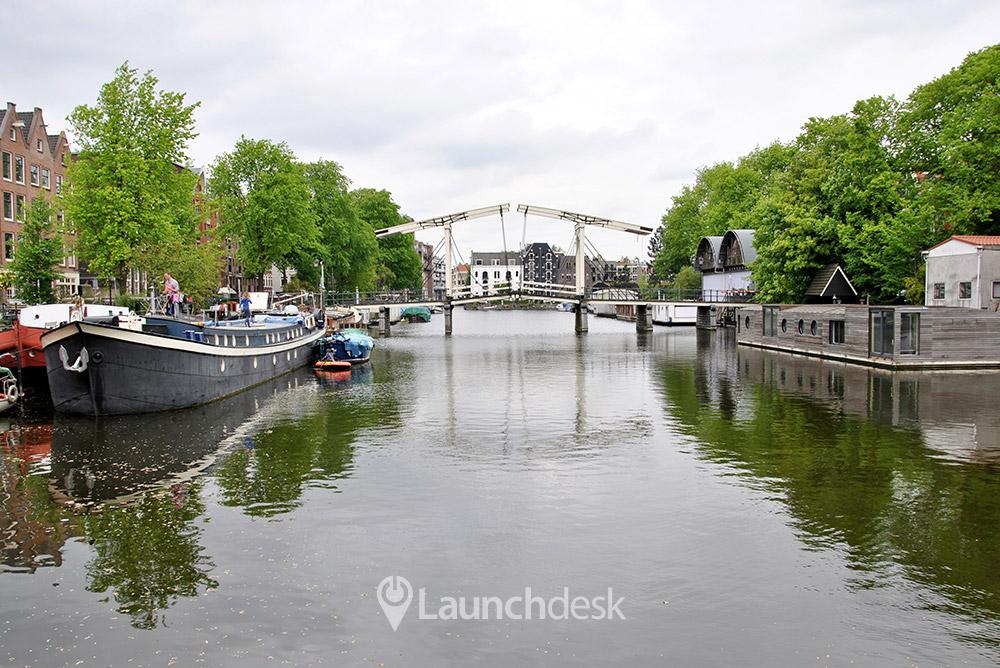 Werkplekken bij Tussen de Bogen   Amsterdam Centrum   Launchdesk