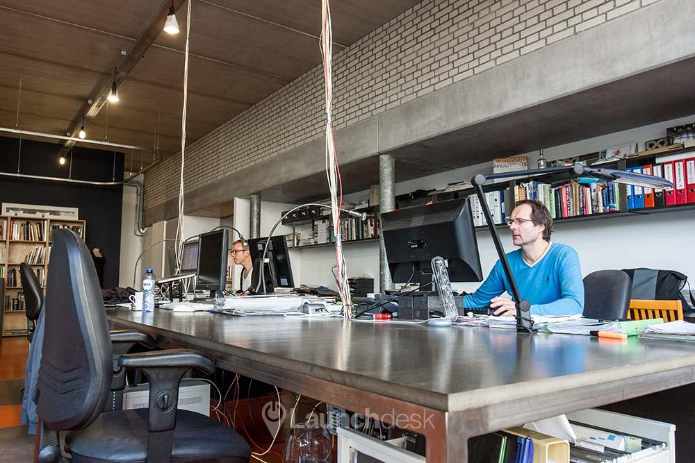 Werkplekken bij Tussen de Bogen Sloterdijkstraat   Amsterdam Centrum   Launchdesk