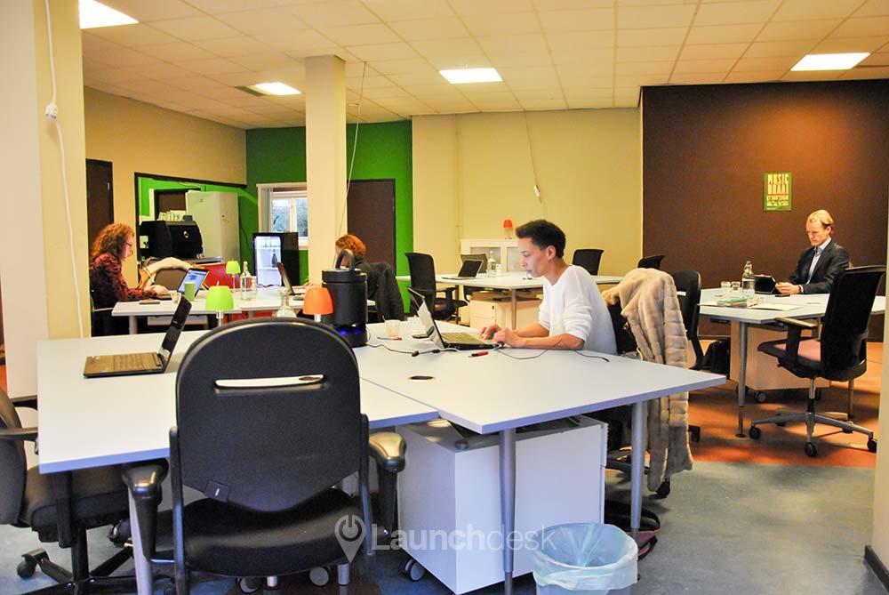 De werkplekken van Jacky aan de Eerste Oosterparkstraat in Amsterdam