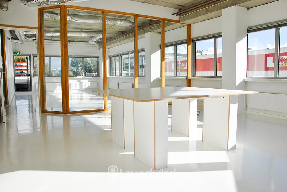Kantoorruimte anthony fokkerweg valschermkade amsterdam zuid launchdesk - Decoreer zijn professionele kantoor ...