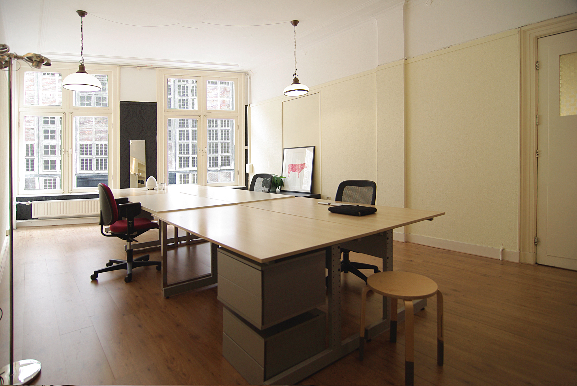Own office space for rent in Amsterdam
