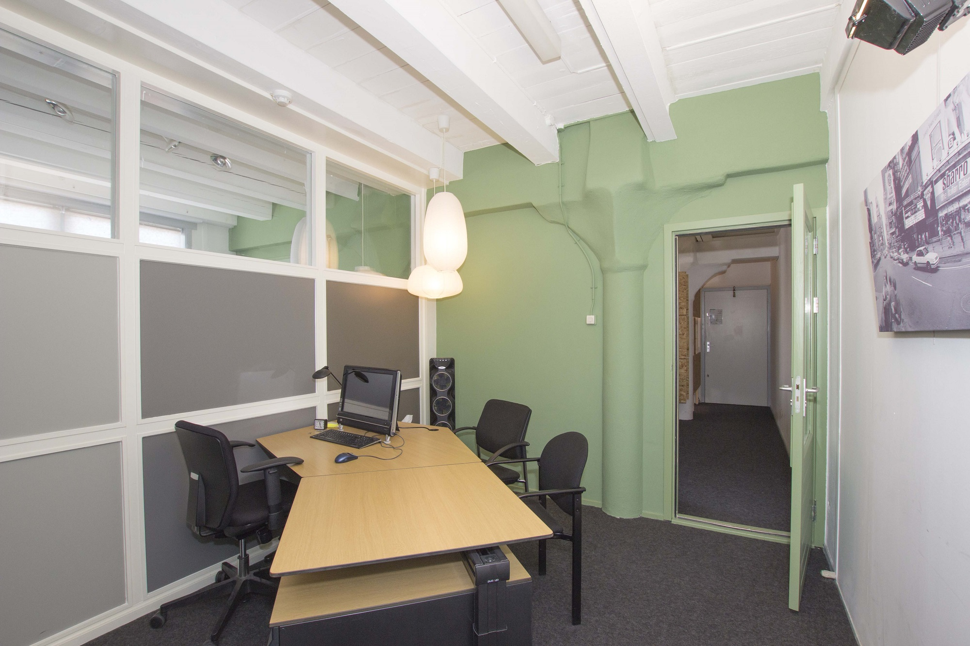 green wall own office room 69 m2