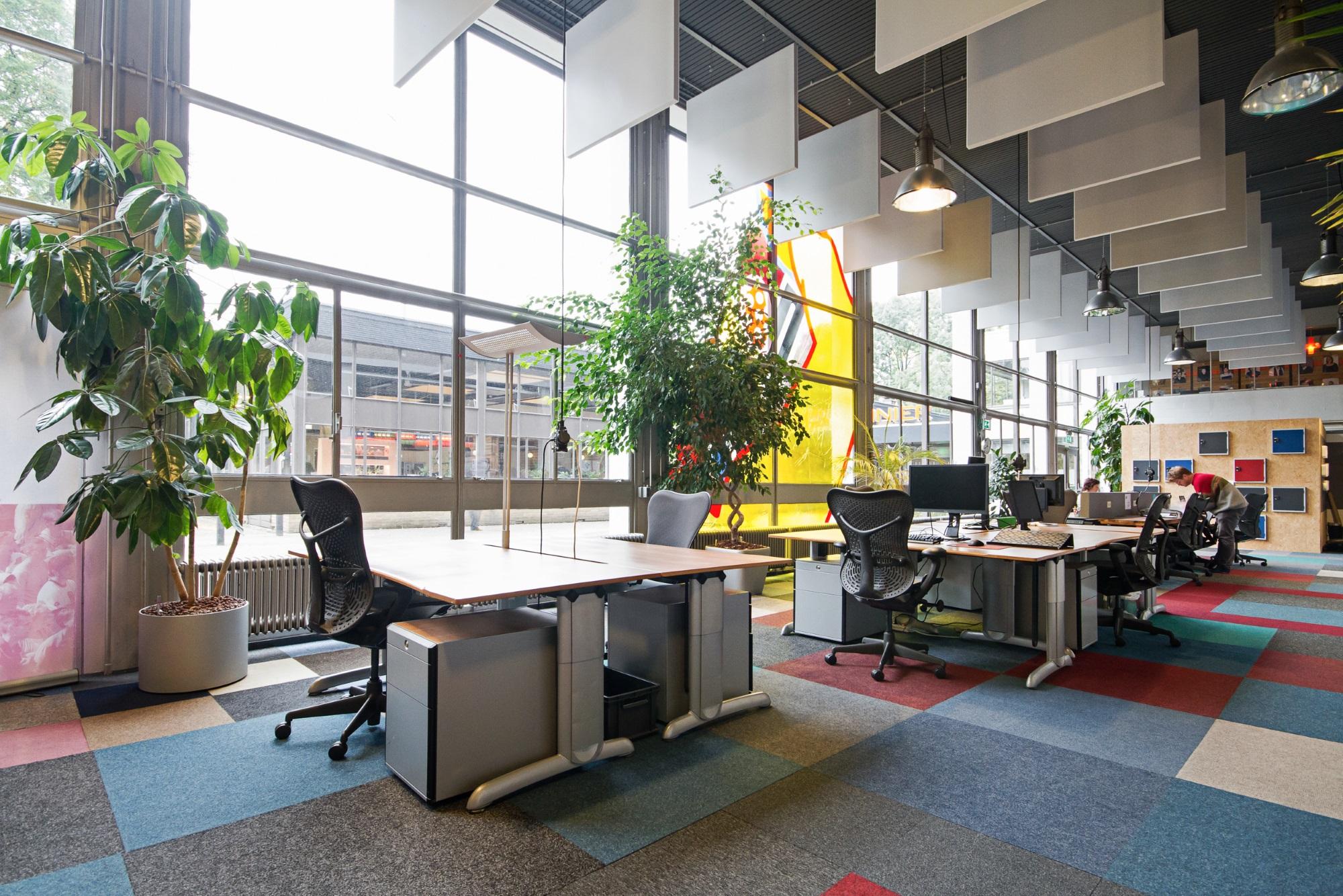 Flexwerkplekken bij Achter de Jaarbeurs   Utrecht West   Launchdesk